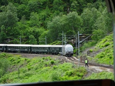 フロム鉄道離合.JPG