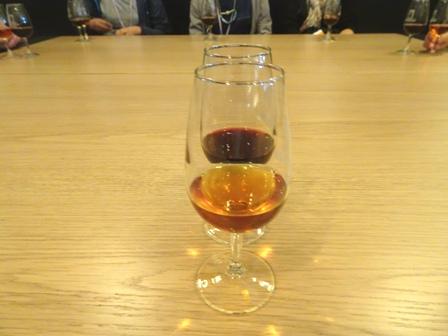 ワインの試飲.JPG