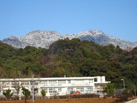・極楽寺山冠雪.JPG