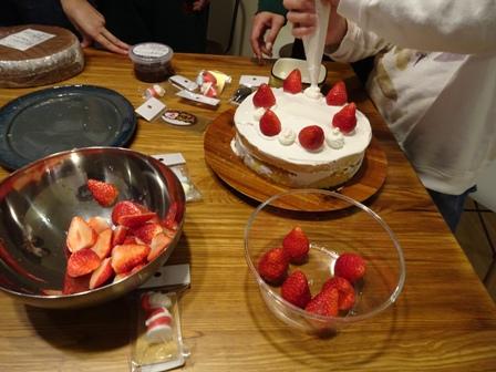 作り18年クリスマスケーキ.JPG