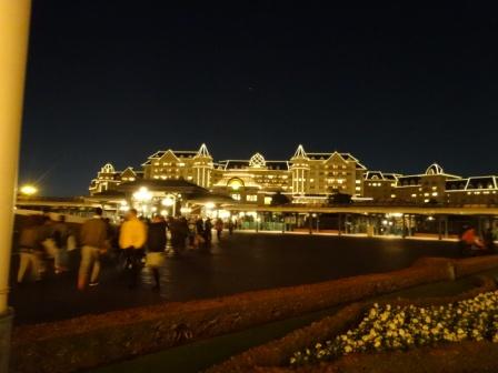 夜のホテル.JPG