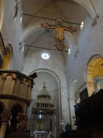 大聖堂聖ロヴォロ.jpg