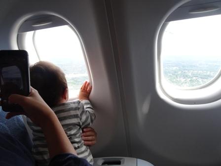 機内のお隣さん.JPG