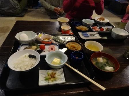 石鎚山の宿の朝食.JPG