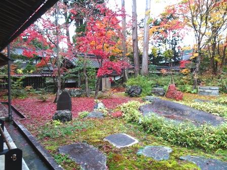 紅葉のお庭中野邸.JPG
