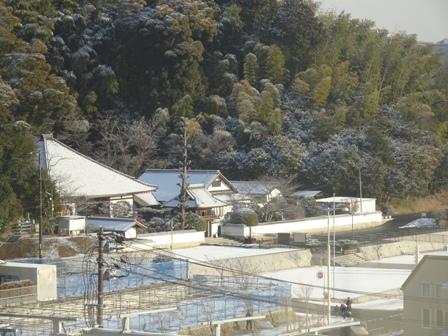 雪の東雲寺.JPG