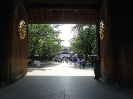 靖国神社の門.jpg