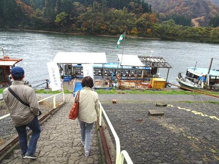 1阿賀野川遊覧船.JPG